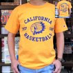 Champion 別注 チャンピオン アメリカ製 ゴールド Tシャツ T1011 MADE IN U.S.A. Tシャツ CALIFORNIA BASKETBALL ティーテンイレブン アメカジ