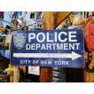「ニューヨーク市警はこちら!」の案内看板 U.S.ヘヴィースチールサイン アメリカン雑貨 サインプレート 通販 インテリア