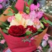 季節の花束 生花店のおまかせ花束 お誕生日 お祝い プレゼント ギフトに 送料無料