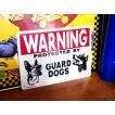 プラスチックサインボード(WARNING GUARD DOGS 番犬注意) 看板 インテリア アメリカ雑貨 アメリカン雑貨