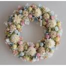 白、ピンク、水色、清楚な雰囲気のドライフラワーリース