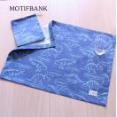 【ハンドメイド雑貨】 ランチクロス&巾着袋のセット (恐竜風:ブルー) 給食ナフキン