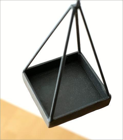 チェーン付アイアン三角プランター(2)