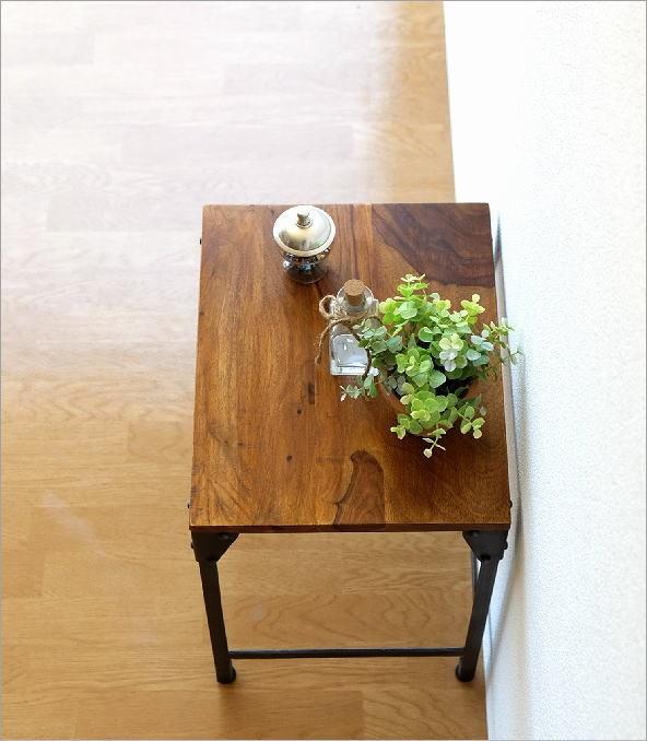 シーシャムとアイアンのネストテーブル S(2)