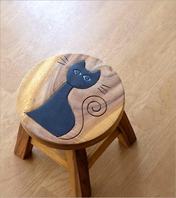 子供椅子ネコさん 木製椅子「このネコさんいい感じ」(1)