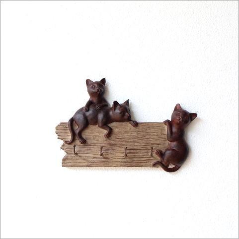 ワンパク子猫のフック(3)