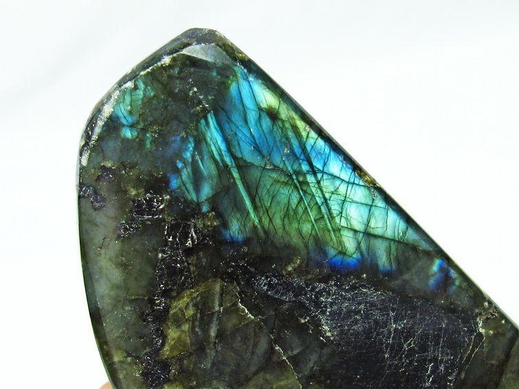 ラブラドライト原石 T623-7136