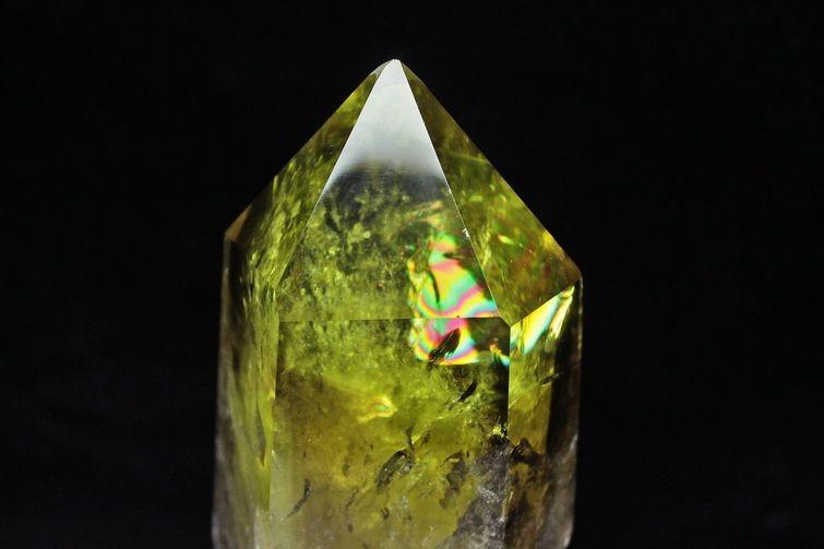 虹入りシトリン水晶六角柱 T719-2893