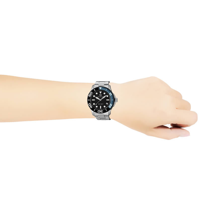GUCCI 腕時計 グッチ 時計 ダイバー DIVER メンズ 腕時計 ブラック YA126281【初回特典付】