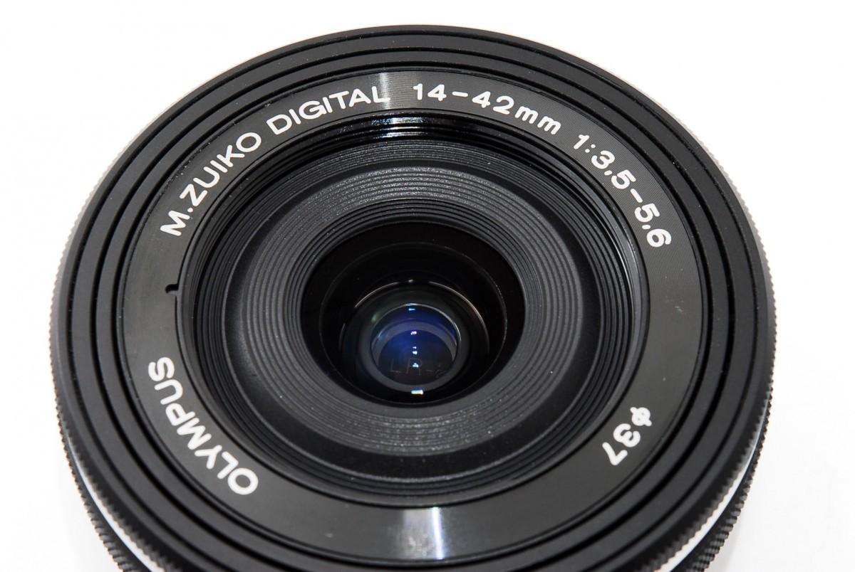 オリンパス Mズイコーデジタル M.ZUIKO DIGITAL ED 14-42mm F3.5-5.6 EZ(ブラック)の商品画像 4