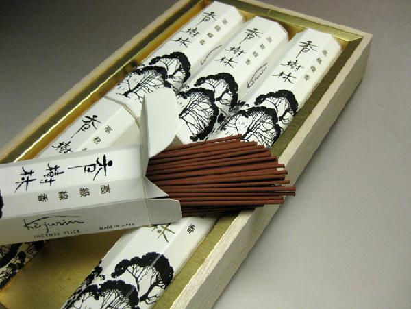 線香(贈り物・贈答用・喪中はがきが届いたら) 玉初堂のお線香 香樹林ギフト 桐箱大箱6箱入