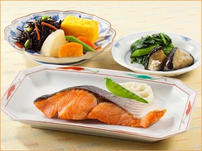 気くばり御膳 紅鮭の塩焼きとおかず6種(182kcal)