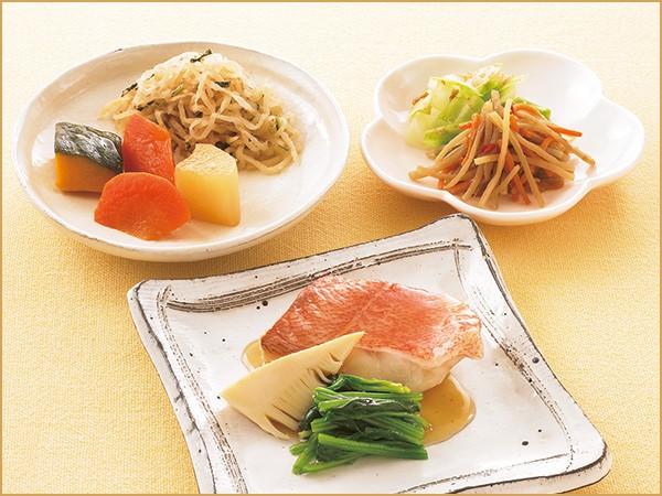 気くばり御膳 赤魚の煮付け風とおかず4種(147kcal)