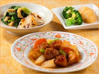 気くばり御膳 黒酢の酢豚セット(214kcal)