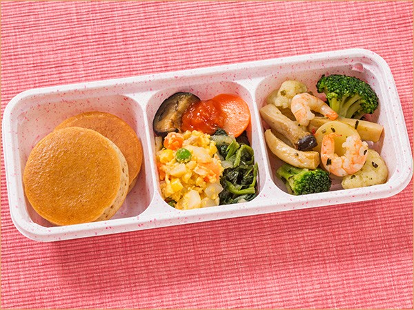 ウーディッシュ 彩り野菜とえびのバジル仕立て (261kcal)