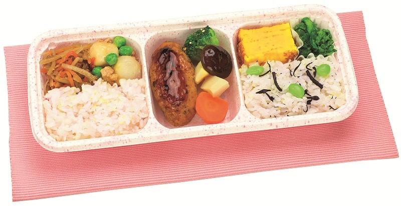 ウーディッシュ 鶏つくねと野菜の炊き合わせ (352kcal)