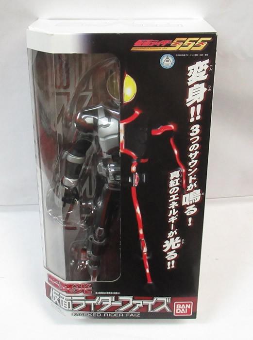 バンダイ 超発光仮面ライダーファイズの商品画像 ナビ