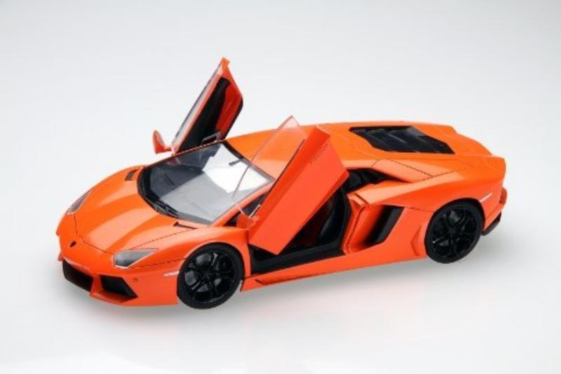 フジミ模型 ランボルギーニ アヴェンタドール(1/24スケール RS 89)の商品画像|ナビ
