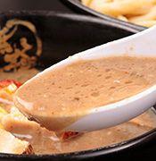 豚骨純度100%のドロドロスープ