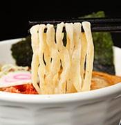 全粒粉入りつるつる・モチモチ麺