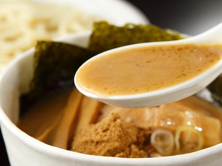 8時間仕込んだ後味すっきりのスープ