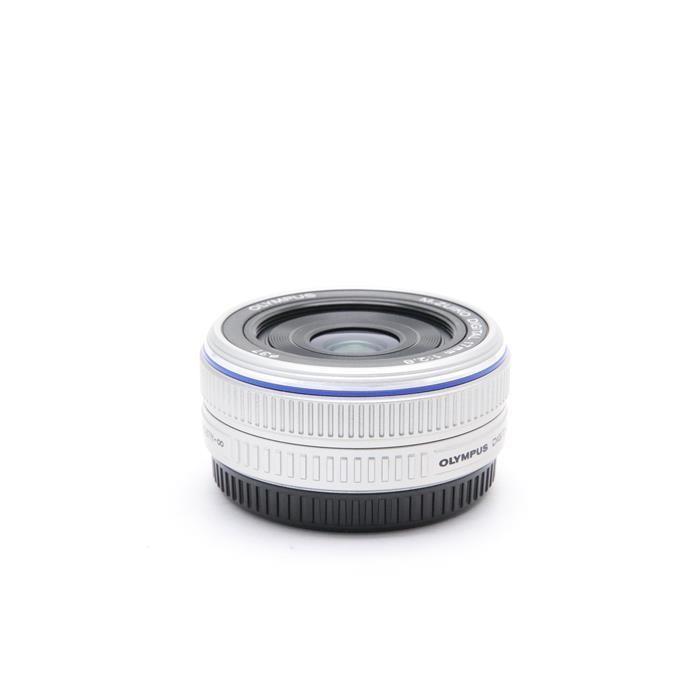 オリンパス Mズイコーデジタル M.ZUIKO DIGITAL 17mm F2.8(シルバー)の商品画像|4
