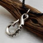 釣り針 ネックレス フィッシュフック シルバーネックレス チョーカー 革紐 メンズネックレス シルバーネックレス 革ひもネックレス メンズアクセサリー