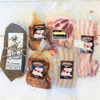 お中元 内祝い プレゼント ギフト 豚ハンバーグ2個入2袋 豚肩ロース1袋  豚みそ漬1袋  ポークソーセージ1袋   ベーコン1袋 豚肉詰め合わせセット 青森