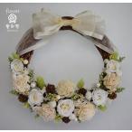 白いお花、リボンのドライフラワーリース