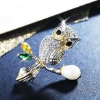 ブローチ スワロフスキー アウル Yellow, Green & White Thick 18K White & Gold GF Made With SWAROVSKI Crystal Pearl Lovely Owl Brooch