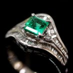 ショッピングused 【USED】Pt900 エメラルド/0.71ct ダイヤモンド/0.45ct 個性的で流線的なデザインリング #13/13号 テーパー 6.9g 5月誕生石 5月生まれ