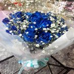1本¥660円!【10本以上〜のご注文です】☆青いバラ(ブルーローズ)とカスミソウとラメちりばめてキラキラとした花束!