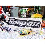 スナップオンのステッカー(シルバーロゴ) アメリカ雑貨 アメリカン雑貨 車 シール ブランド