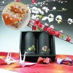 【敬老の日ギフト】伊勢熱湯玉露(かぶせ茶)、深むし茶50g×2缶入和風もみじの輪(朱)縮小風呂敷黒缶敬老の日ギフト