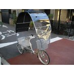 シニア、高齢者グッズ、社内に自転車の3輪 電動 アシスト 自転車 グッズ、雨除け、日除け、風よけに 3輪自転車レベル2