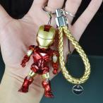 Iron ManキーホルダーアイアンマンLEDライト車内飾り人形大人気個性ハード自動車アクセサリートランスフォーマー