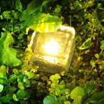 ソーラーライト 地中埋込型ライト LED ガーデンライト 4点セット防犯ライト太陽光パネル充電 感光式 光センサー スポットライト ソーラー充電式 屋外 暖色系