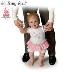 【アシュトンドレイク】★Isabella's First Steps★ Interactive Walking Bab/赤ちゃん人形/ベビードール
