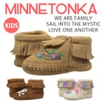 Minnetonka Free Range Mama ミネトンカ [WE ARE FAMILY][SAIL INTO THE MYSTIC][LOVE ONE ANOTHER]コラボ インファント ルームシューズ ベビー