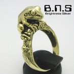 金色の蛙の指輪 ニホンアマガエルリング 【3】 真鍮 ブラス brass (日本雨蛙 かえる カエル)