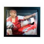 Arsenal F.C. Henry Signed Boot (Framed) / アーセナルFCヘンリーは(額縁)のブートを締結しました