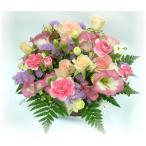 ピンク系のお花でコロニアル調にかわいくアレンジしました♪
