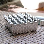 灰皿 アルミ製灰皿 Lサイズ おしゃれ フタ付 卓上灰皿 灰ざら はいざら 来客用 アンティーク かっこいい アッシュトレイ 波型 アジア工房 10331