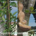 木登りリス バードフィーダー オーナメント りすの壁掛け置物 お庭 ガーデニング 動物  レジン  アニマルオブジェ ディスプレイ インテリア小物 ギフト