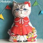 コヤンイサムチョン・アンクルキャット 猫のドール・クッション 赤いワンピースのルミ RUMI wears a red skirt