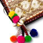 ぽんぽんキーホルダーキーリングバッグチャームファッション小物エスニック雑貨モフモフかわいい手作りインドアジアン雑貨