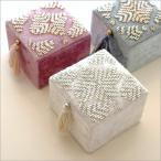 アクセサリーケース アクセサリー 収納 アクセサリーボックス 小物入れ ふた付き かわいい おしゃれ 小物収納 布 ビーズ刺繍スクエアボックス 3カラー