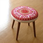 スツール かわいい おしゃれ 刺繍 高さ40cm 低め 木製 可愛い 模様 柄 丸い デザイン いす 丸椅子 丸イス ラウンドチェア サークル刺繍スツール 赤