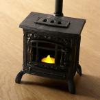 ストーブオブジェ LEDキャンドル付き ミニチュア 薪ストーブ風 雑貨 家具 煙突 暖炉 キャンドルライト 置物 レトロ LED付きミニチュアストーブのオブジェ