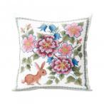 〔取寄〕オノエ・メグミ 刺しゅうキットシリーズ 花咲く庭の小さな物語 -テーブルセンター- ブルーベリーとウサギ 1202